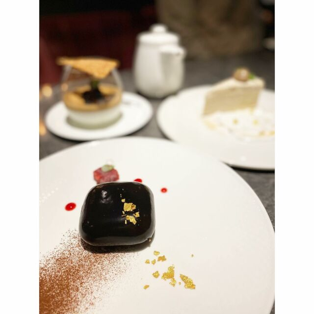2021/04/04 #食事後のデザート#また新作が楽しみ  #チョコレートチェリー#ムースケーキ #AirPodsケース#に見えるでしょ www #モカパンナコッタ#モンブランミルクレープ #久々の#鉄板焼きコース#相変わらず安定の美味しさ